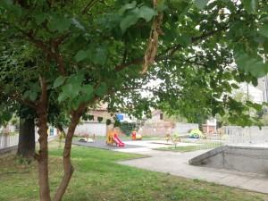 НОВИ ПЛОЩАДКИ ПОСРЕЩАТ ДЕЦАТА В КАЗАНЛЪШКИ ДНЕВНИ ДЕТСКИ ЯСЛИ